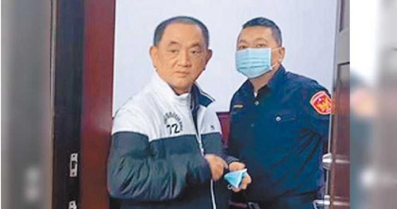 有「台灣地下簽賭教父」之稱的陳盈助涉嫌洗錢日前遭檢方傳喚,在偵訊庭接受偵訊,陳盈助一度因身體不適返家休息。(圖/報系資料照)