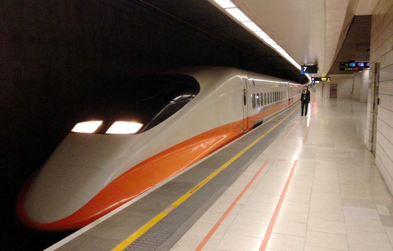 高鐵方面表示全車隊將進行消毒,同時左營和台中站也是消毒重點。(圖/報系資料照)