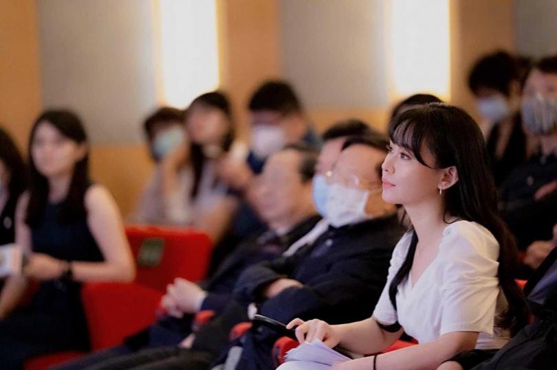 民進黨青年部副主任陳冠穎為《我的老闆是總統》一書作者。(圖/翻攝陳冠穎臉書)