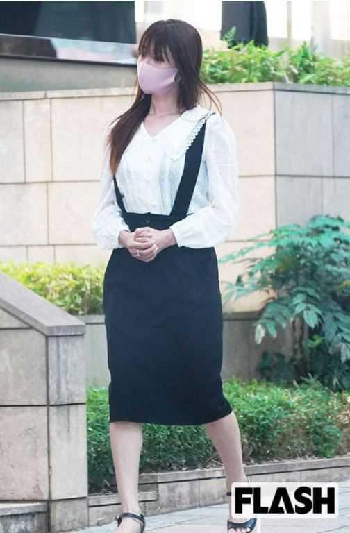 深田恭子患病後首度出現在大眾面前。(圖/翻攝自日本週刊《FLASH》)