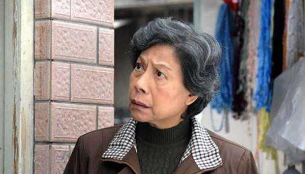 羅蘭1999年演出《爆裂刑警》,獲得香港電影金像獎影后。(圖/翻攝自微博)