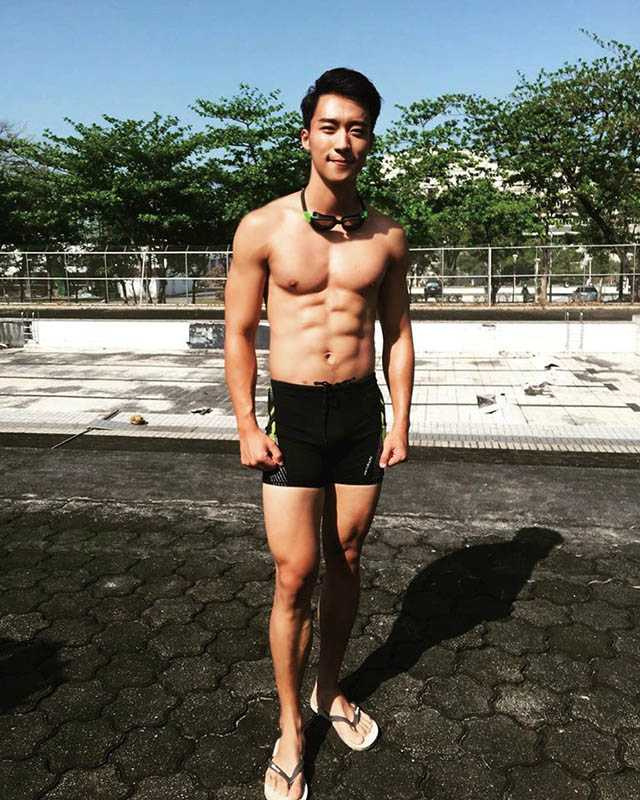 卞慶華曾為了拍戲練就一身肌肉,也讓他養成運動習慣。(圖/翻攝自卞慶華臉書)