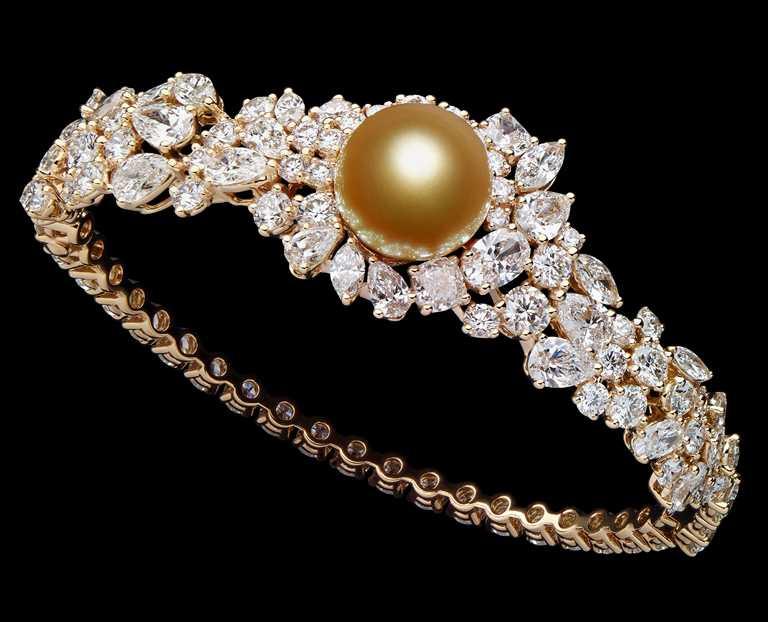 DIOR「Tie & Dior」系列高級珠寶,金色珍珠鑽石手環╱10,500,000元。(圖╱DIOR提供)
