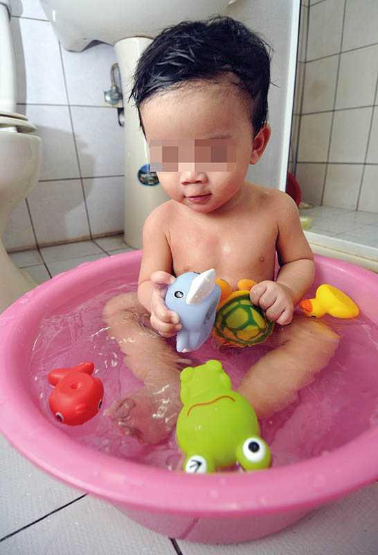 購買檢驗合格的玩具,較不會有塑化劑超標的問題,但仍要避免孩童把玩具放入嘴中。(圖/報系資料庫)