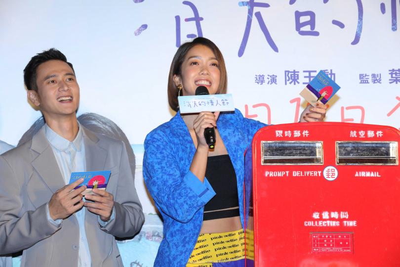 中華郵政特別出借一個郵筒,每天被導演罵的大霈也有很多話要對導演說。(圖/施岳呈攝)
