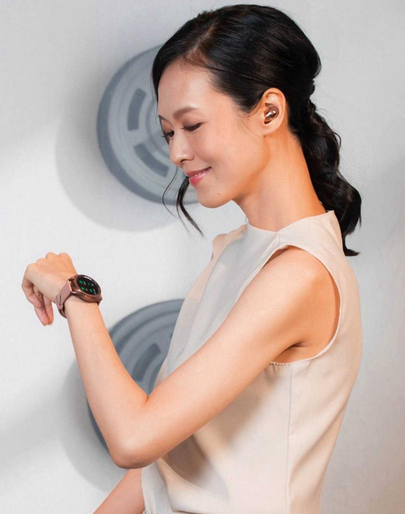 Galaxy Watch3提供41mm、45mm兩種錶殼尺寸,手腕纖細的女生可選小錶殼款式。(圖/Samsung提供)