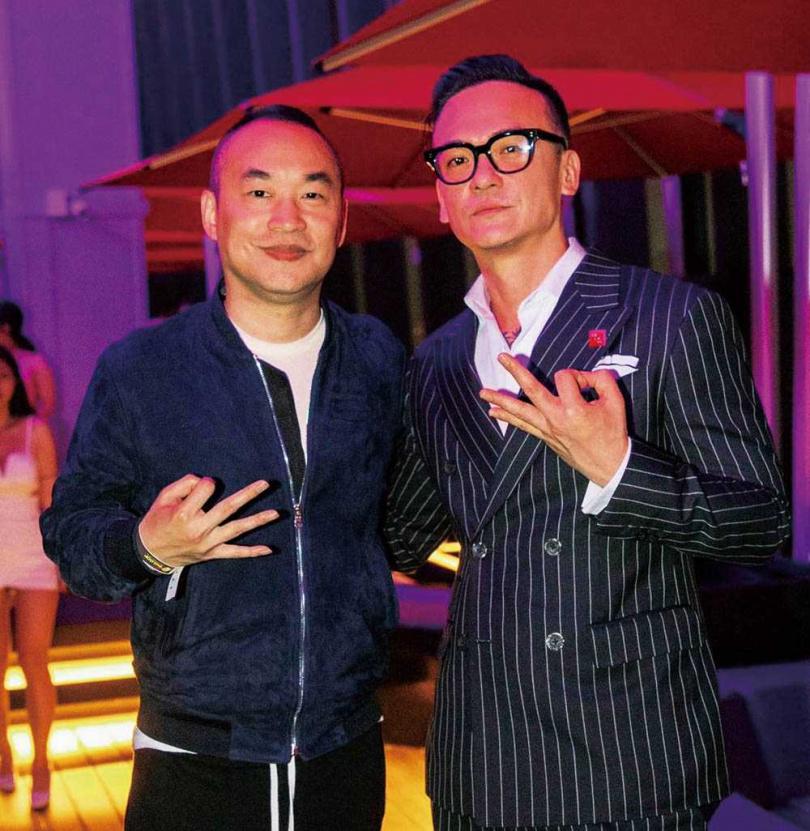現為知名餐廳總經理的費聿鋒,開幕時還邀請老闆黃立成擔任座上賓。(圖/翻攝自CÉ LA VI Taipei IG)