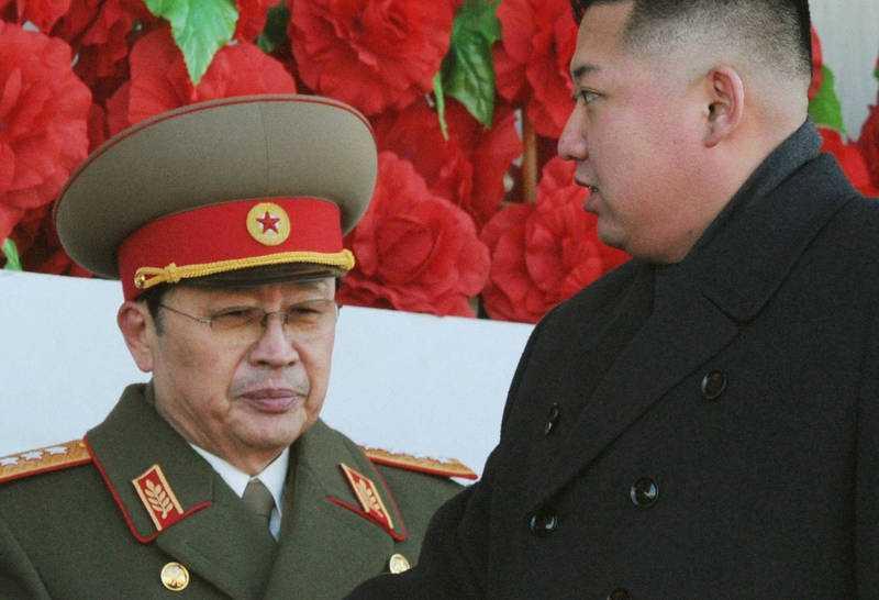 左為北韓領導人金正恩的姑丈張成澤。(圖/路透社)