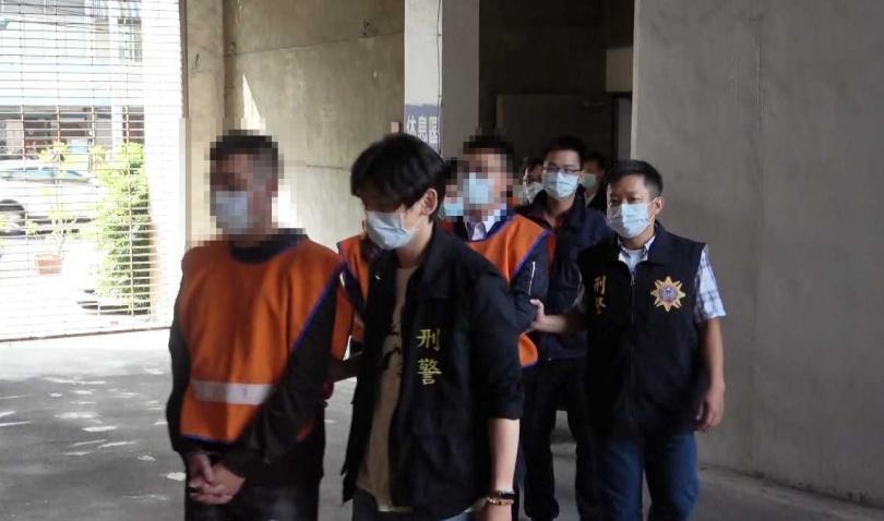 警方發現陳嫌在高雄設置多個洗錢據點,一年來幫博弈網站洗錢高達20億台幣。(圖/翻攝畫面)