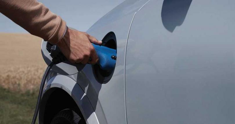 兼容純電模組與汽油引擎兩種動力優勢,Plug-in Hybrid Electric插電式混合動力正是現階段最理想的選項。