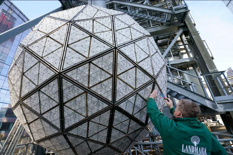 跨年使用的水晶球已經準備好。(圖/達志/美聯社)