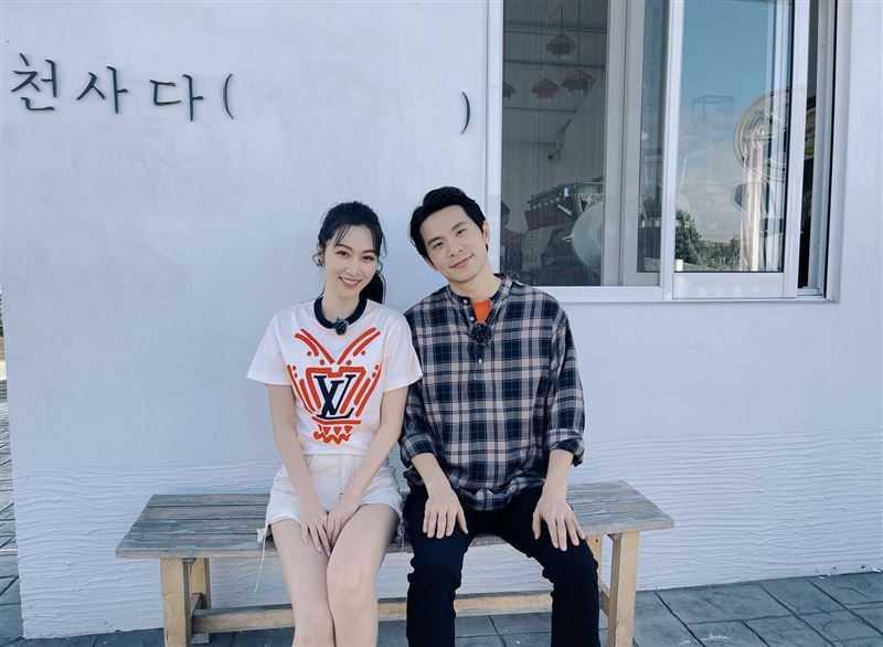 曾莞婷與姚淳耀錄節目。(圖/迪克斯娛樂提供)