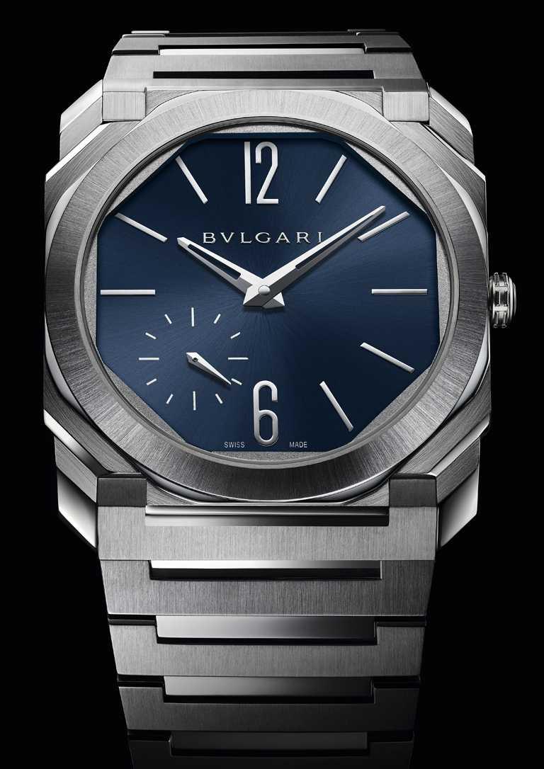 BVLGARI「OCTO Finissimo Automatic」緞面拋光精鋼超薄自動腕錶,藍色錶盤,40mm╱378,200元。(圖╱BVLGARI提供)