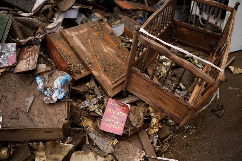 洪水過後,比利時街道滿目瘡痍。(圖/達志/美聯社)