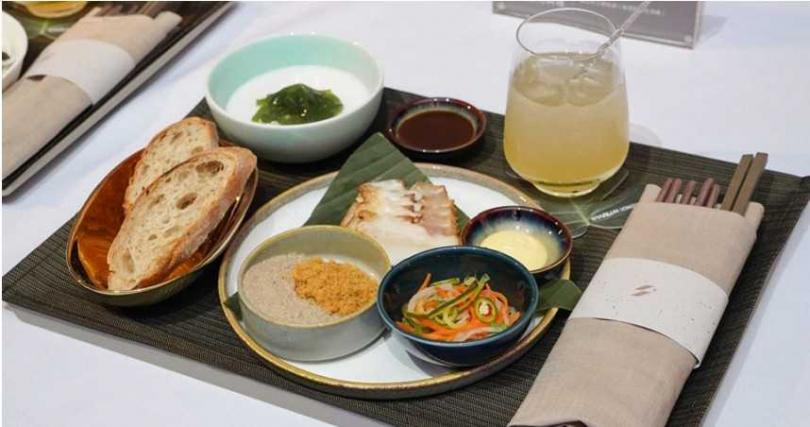 商務艙LONGTAIL TAIPEI 亞洲當代料理。(圖/星宇航空 STARLUX Airlines臉書)