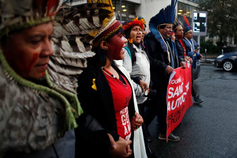 巴西原住民Kayapo族反抗巴西政府開發雨林的計畫。(圖/達志/美聯社)