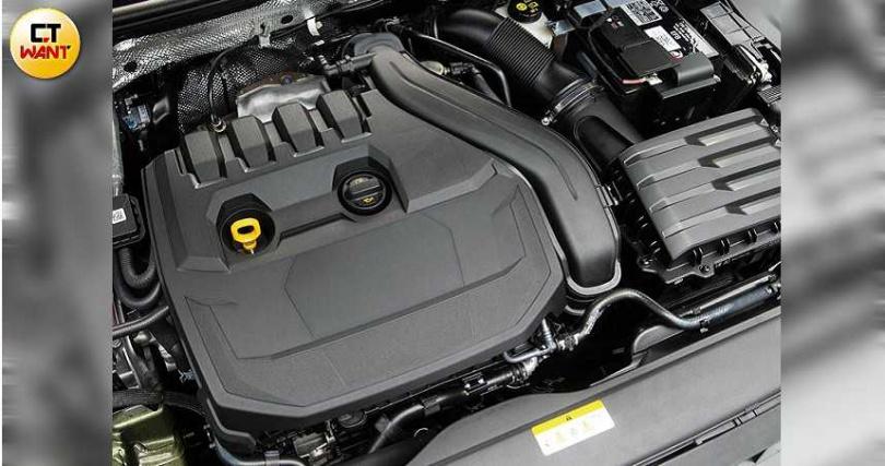 搭載1.5升汽油渦輪增壓引擎,可輸出150匹最大馬力與25.5公斤米最大扭力。(圖/黃耀徵攝)
