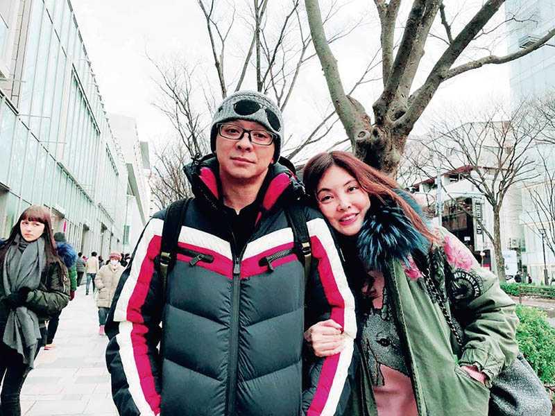 去年底何如芸與王敏錡在日本留下恩愛合照,半年後卻走向分居。(圖/翻攝自臉書)
