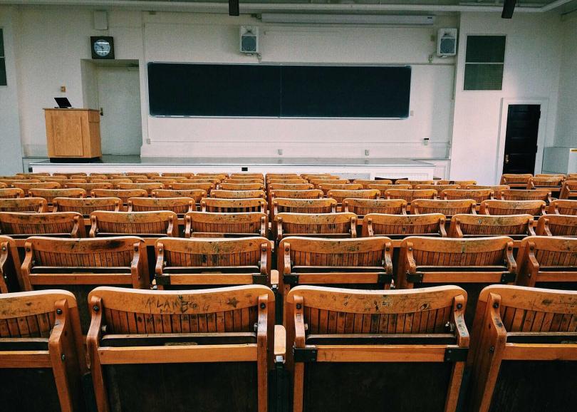 2月15日補上課,提前一天放暑假。(圖/Pixabay)