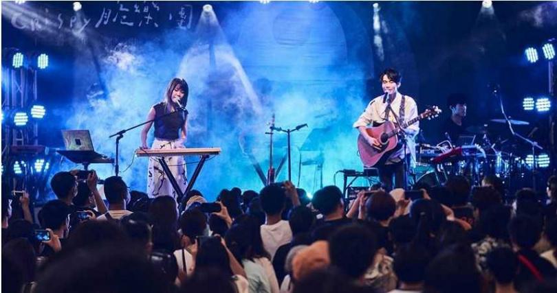 Crispy脆樂團13日舉辦十週年演唱會。(圖/好多音樂提供)