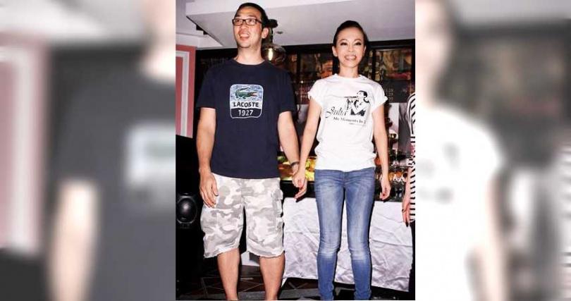 2006年彭佳慧嫁給成衣商王丕仁,12年後宣布離婚,當時兩人為了小孩仍住在一起。(圖/翻攝自彭佳慧臉書)