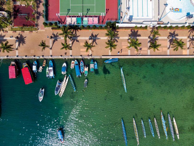 在西貢清澈的大海浮潛是夏日熱門活動。