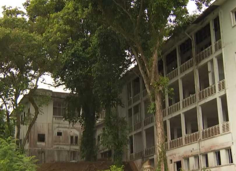 舊樟宜醫院的鬧鬼事件,也引起電影公司的注意,更吸引了靈異愛好者絡繹不絕,前來一探究竟。(圖/翻攝自8world Youtube)