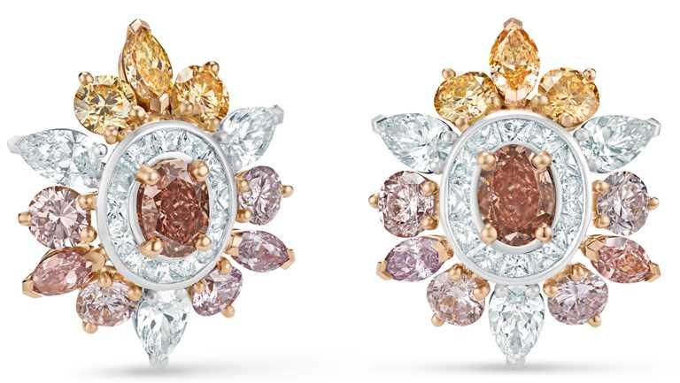 DE BEERS「Reflections of Nature」系列高級珠寶,Motlatse Marvel鑽石耳環。(圖╱DE BEERS提供)