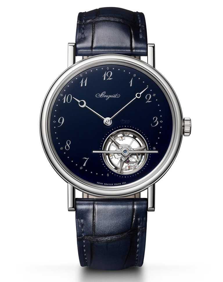 Breguet「Classique經典系列5367」藍色大明火琺瑯超薄陀飛輪鉑金腕錶╱5,218,000元。(圖╱Breguet提供)