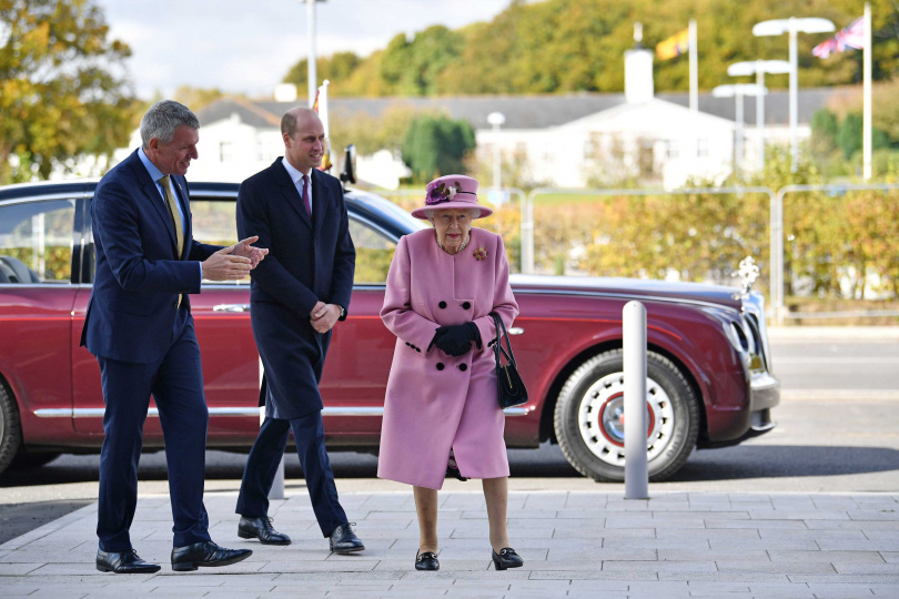 英女王與飛利普親王結婚73周年。(圖/達志/美聯社)