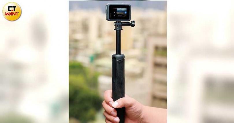 可上山下海的GoPro Hero 7 Black內建2吋螢幕,可拍攝4K60fps影片。(圖/馬景平攝)