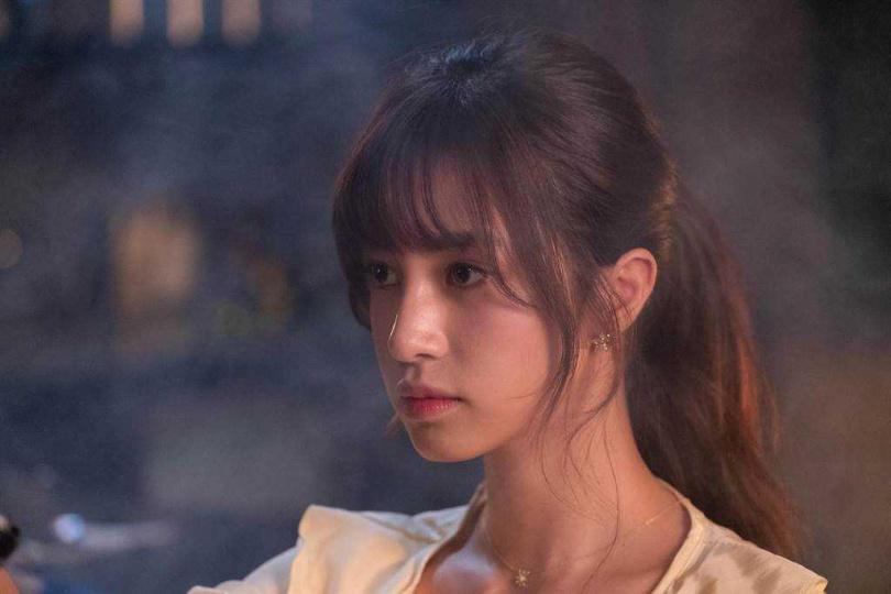 陳敬宣在網劇《記憶浮島》飾演被經紀人掌控的大明星。(圖/貴金影業提供)
