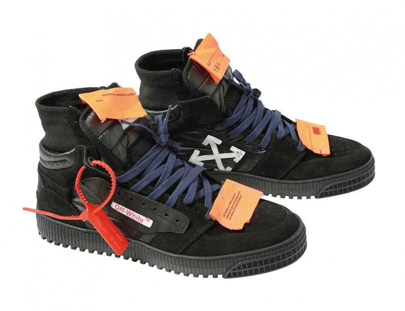 Off-White OFF COURT運動鞋/19,000元。(圖/戴世平攝)