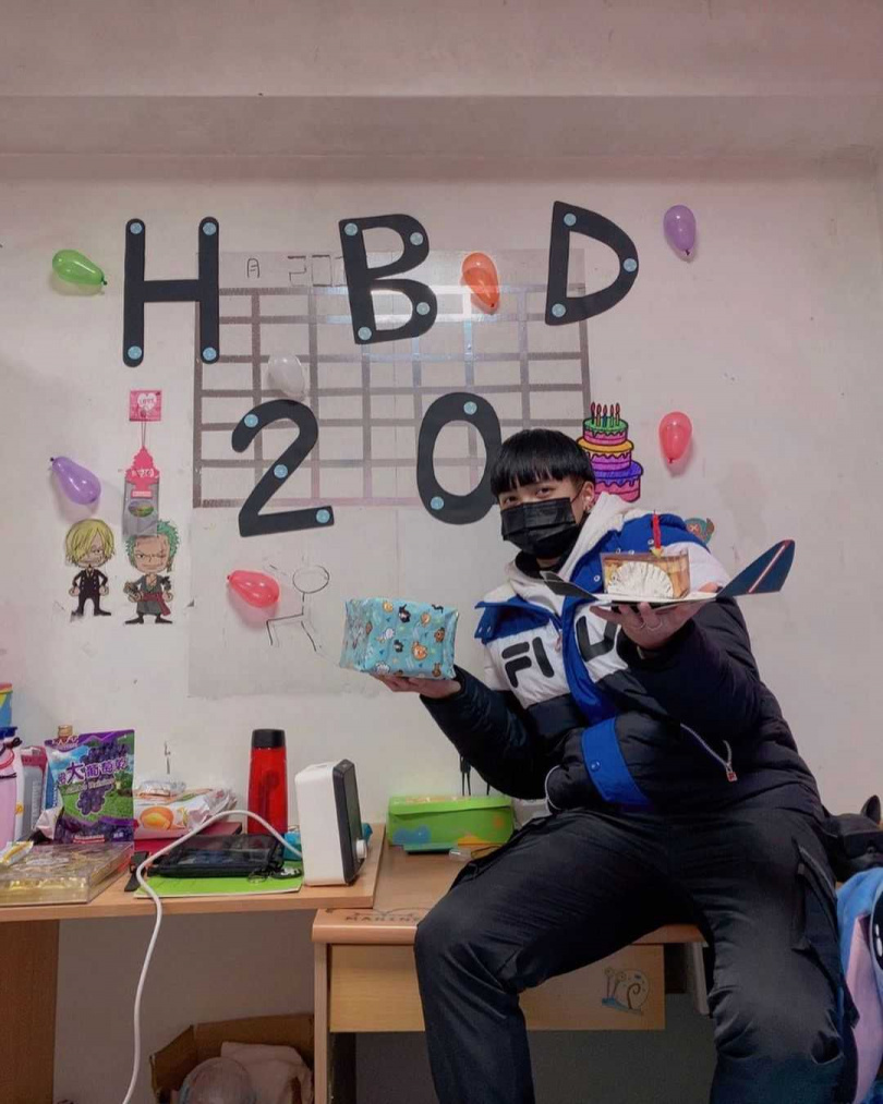 張恩昀1月才剛歡度20歲生日。(圖/翻攝IG)