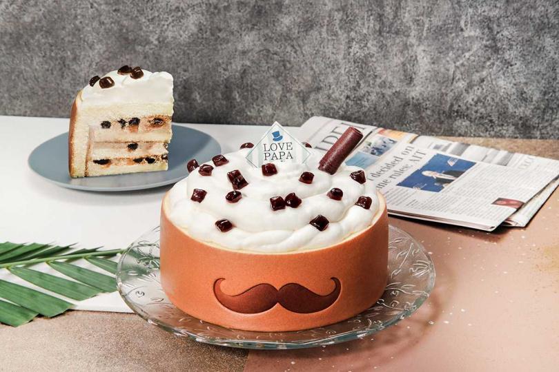 「黑糖珍珠奶茶」將喝的手搖飲變成可食用蛋糕。(1,080元/7吋,圖/亞尼克提供)