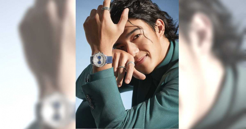 陳昊森身穿寶石綠正裝,佩戴PIAGET「Polo」系列18K白金自動上鍊高級珠寶計時碼錶、搭配PIAGET「Possession」系列18K白金高級珠寶,演繹年輕熱力。(圖╱PIAGET提供)