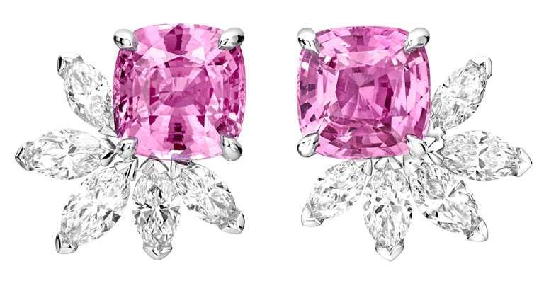 PIAGET「Treasures系列」18K白金粉紅藍寶石高級珠寶鑽石耳環╱價格店洽。(圖╱PIAGET提供)