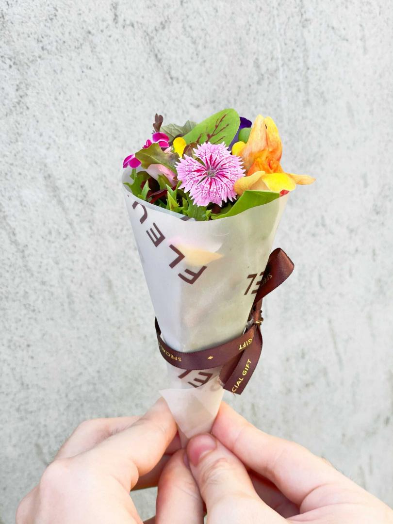 做成小捧花狀的「花束生菜沙拉」。(圖/鹽之華提供)