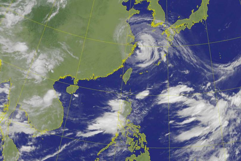 烟花颱風遠離台灣。(圖/中央氣象局)