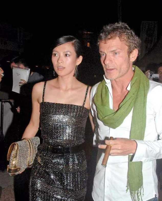 章子怡與美國富豪前男友艾維·尼沃的一段情,是她心中永遠的痛。(圖/翻攝網易新聞)