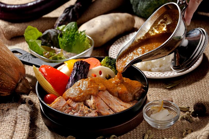 主餐外帶68折的「香煎究好豬里肌咖哩」。(特價219元,圖/泰迪農園咖哩提供)