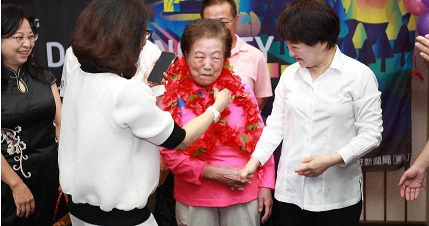 13年的堅持!94歲嬤環保志工清晨開始 「允諾人家,就一定要做到」