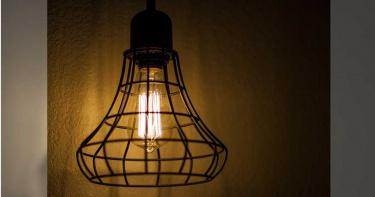 妻氣家中電燈總「關不掉」 尪1句話揭真相眾人傻眼到狂笑