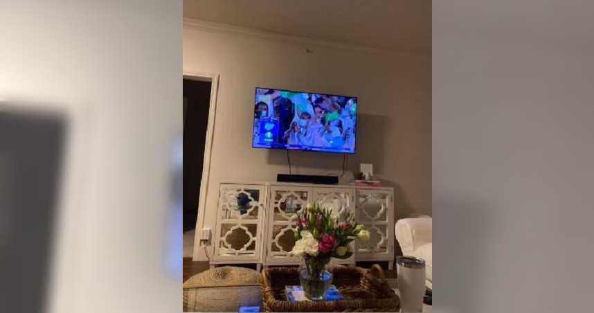他傳照片報備「跟男生朋友一起看奧運」 秒遭女友抓包偷吃