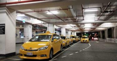 紓困2.0出爐!每人每月1萬元 遊覽車、小黃駕駛受惠