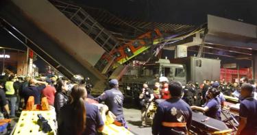 墨西哥高架橋斷裂!捷運出軌「懸掛空中」…意外釀至少13死