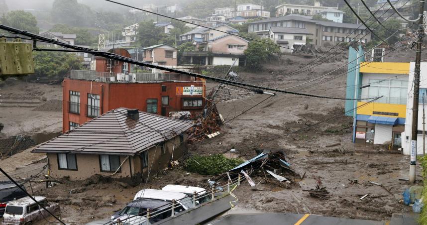靜岡泥石流釀2死20失蹤 老翁開車1小時後「家跟妻子都不見了」