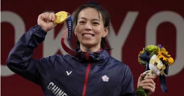 舉重女神有夠威!郭婞淳連破世界紀錄 3年進步10KG對手崩潰