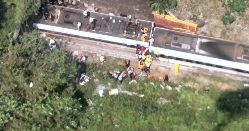 工程車摔落鐵軌50死175傷 邊坡工程「1月底早該完工」