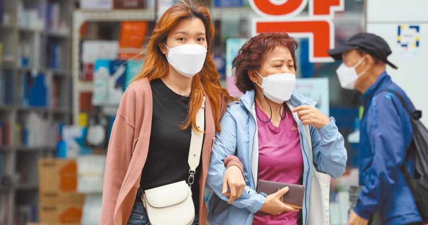 韓國放寬場所限制 推動「交叉接種」!新冠感染率半年內狂降